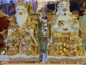 Thần Tài Ông Địa Sứ Vàng
