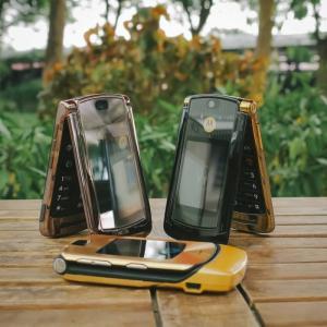 Điện thoại Motorola V3i, V8, V9 nắp gập sang trọng