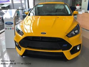 Ford Focus Trend 2018, số tự động, màu vàng, giao xe trong 30 ngày.