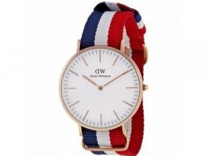 Đồng hồ dw dây sọc