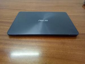 Asus Zenbook UX305UA - i5 6200U, 8G, 256G...