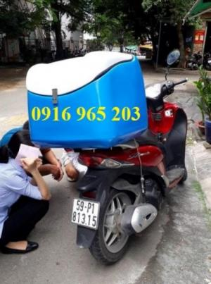 Thùng giao hàng nhanh gắn sau xe máy