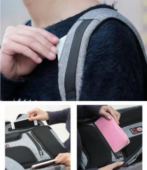 Dây đeo rộng 6 cm, có đệm xốp kê vai, giúp cho người đeo balo lâu không bị đau mỏi, êm ái hơn khi mang nhiều đồ.