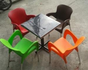 Thanh lý gấp bàn ghế nhựa cafe giá rẻ mới 100% hàng tồn kho..