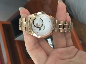 Đồng hồ thời trang nữ chính hãng, new 99%. Chỉ 3,5 tr
