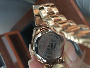 Đồng hồ thời trang nữ chính hãng, new 99%. Bảo hành quốc tế