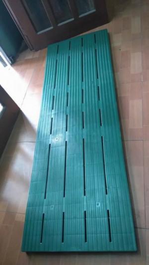 Tấm lót sàn bằng nhựa khổ siêu dài