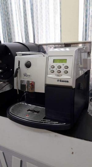 Cho thuê máy pha cà phê tự động SAECO ROYAL CAPPUCCINO phù hợp cho văn phòng công ty, nhà hàng, khách sạn, quán cafe giá rẻ 2tr/th.