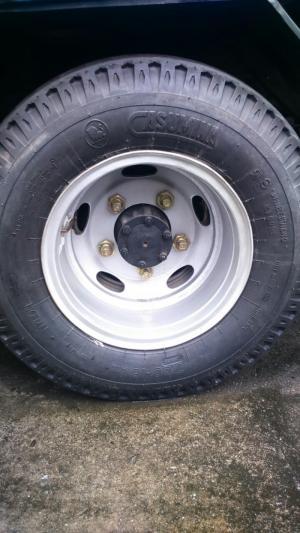 2 lốp trước sau bằng nhau - cỡ lốp 7.00 - 16