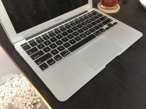 Macbook air 11 2015 mới 98% I5 ran4gb sdd 128GB
