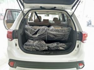 Ô tô Mitsubishi Outlander 2.0