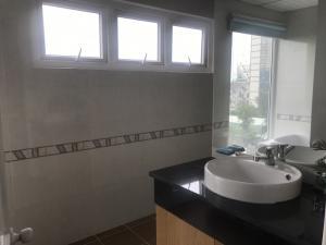 Cho thuê căn hộ sơn thịnh 2 tower 120m2 2PN View biển tầng cao