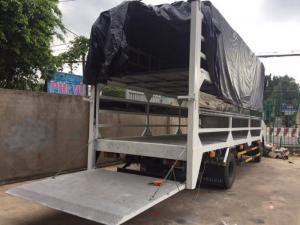 Xe tải Fuso canter 8.2 chở xe máy 2 tầng, có thiết bị nâng hạ hàng