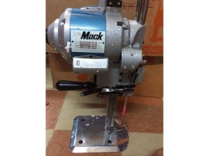 Máy cắt vải công nghiệp Kmack nhật bản
