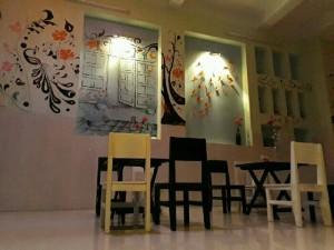 Bàn ghế gỗ dành cho quán trà sữa