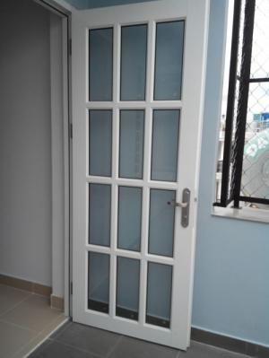 Kính cường lực 10ly làm cầu thang, cửa, vách ngăn,...