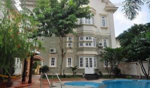 Bán biệt thự Nguyễn Đình Chiểu, Q3, DT: 8.7x24m, 5 lầu