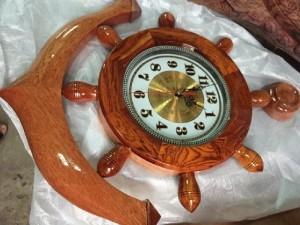 Đồng hồ gỗ mỏ neo mặt cẩm