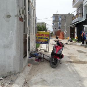 Cần bán gấp lô đất Lã Xuân Oai, Nam Khang ngay trung học phổ thông Long Trường
