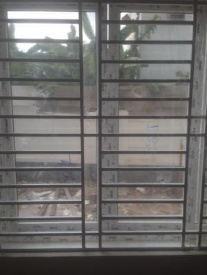 Làm khung sắt bảo vệ tại nhà
