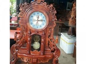 Đồng hồ gỗ y hình