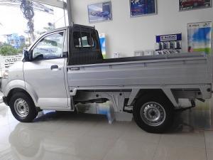 Xe tải nhỏ chở hàng tết
