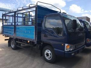 Xe tải JAC HFC 1048K-4.95 tấn, thùng dài 4,2m.