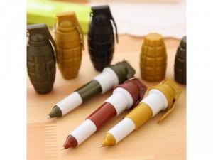 Bút bi lựu đạn