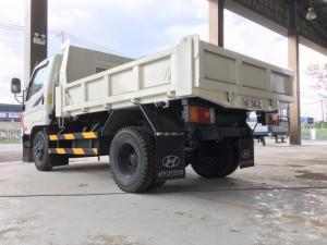 Xe ben hyundai 1,75 tấn vào thành phố