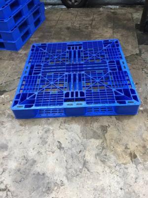 Pallet nhựa cũ màu xanh giá rẻ Hà Nội