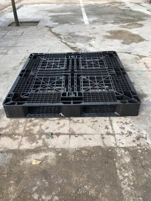 Pallet nhựa cũ giá siêu rẻ (1100x1100x120mm)