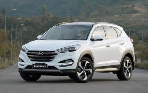Hyundai Tucson trắng 2018 máy dầu 2.0 full...