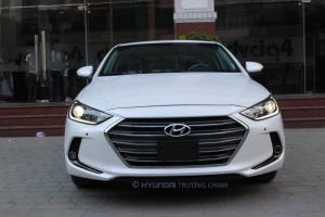 Hyundai elantra 1,6AT mới 100% giảm tiền mặt 70trieu