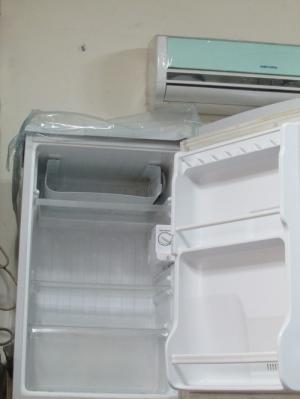 Tủ lạnh 90 lít sài bền giá lại rẽ.