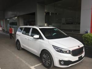 Bán xe Kia Sedona máy dầu 2017 giá tốt