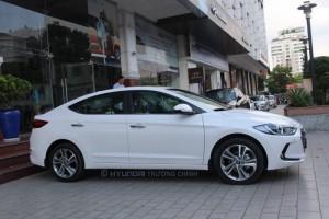 Hyundai Elantra 2.0AT Mới 100% Giảm 90tr tiền mặt
