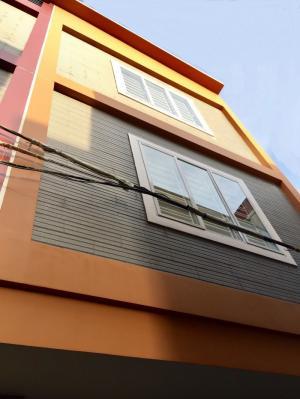 Bán nhà 4 tầng xây mới gần mặt đường Đình Đông hướng tây bắc