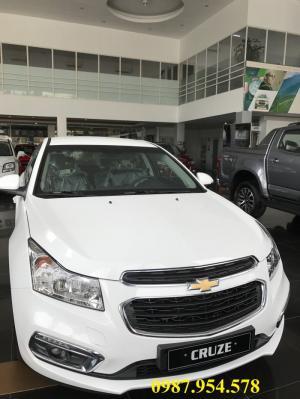 Trả tiền trước bạ- nhận ngay Chevrolet Cruze