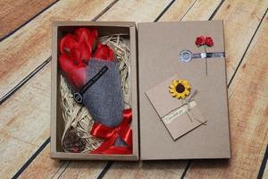 Hộp hoa hồng sáp thơm 7 bông tặng kèm thiệp