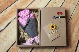 hộp hoa sáp 7 bông cao cấp (Hồng Phấn)