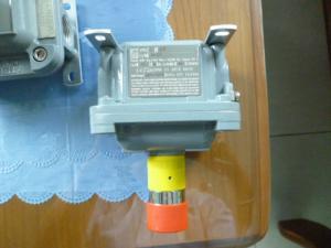 Nút nhấn dùng sự có chống cháy nổ PB1, PB2