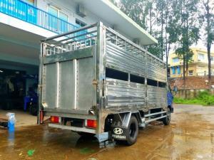 Xe hyundai veam hd800 chở heo, chở lợn 02 tầng sản xuất 2017
