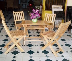 Ghế gỗ cafe trà sữa giá rẻ