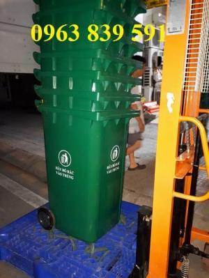 Cần bán thùng đựng rác 120L cao 1 mét chất lượng.