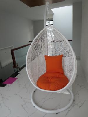 Công ty  chuyên sản xuất bàn ghế nhựa xích đu giả mây , bàn ghế nhựa đúc , bàn ghế inox