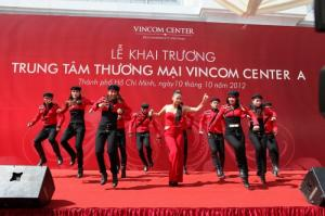 Tổ chức lễ khai trương Vincom Center