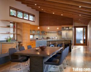 Tủ bếp gỗ Laminate màu vân gỗ có bàn đảo và khung tủ lạnh – TBT25