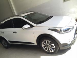 Hyundai i20 active NK SX 2015,số tự động,tích hợp vô lăng,CKTM