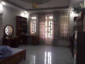 Nhà 3 Lầu, 5 Phòng Ngủ, Hẻm  Hoàng Hoa Thám, Xe Hơi Vào Nhà.