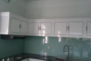 Tủ nhôm kính treo tường nội thất phòng bếp tặng quà hấp dẫn lễ trung thu